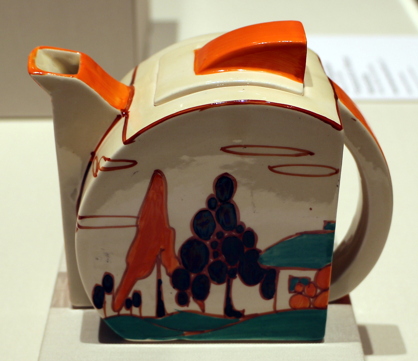 Clarice Cliff at Newport Pottery 1929