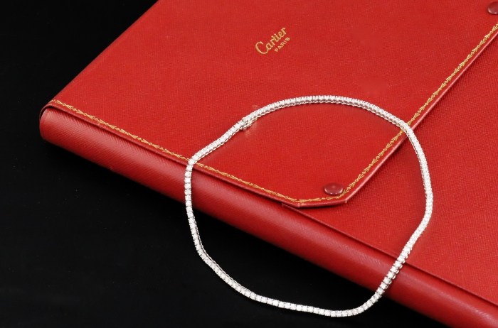 Modern Cartier 18ct White Gold and Diamond Lined Choker Necklace